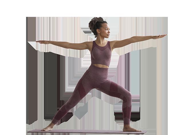 photo femme qui fait du yoga